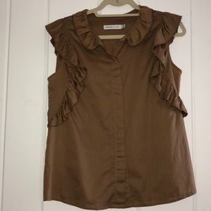 Cute brown frilly top! Great with a pair of jeans!